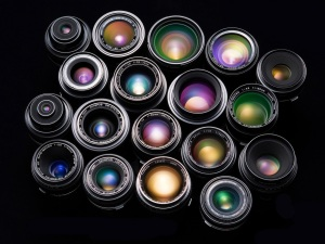 Colorful-combination-of-camera-lens_1600x1200